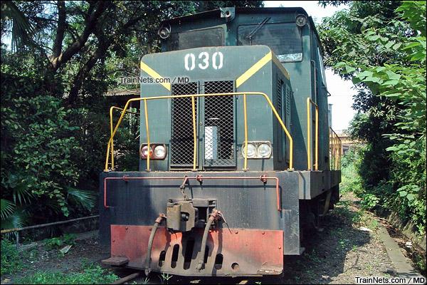 广州钢铁厂。JMY380型内燃机车。(图/MD)