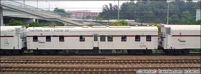 2001年。广州。B23型机械保温车组。(P0617)