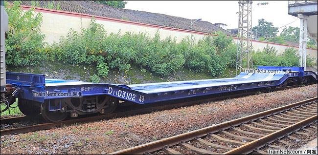D11型凹底平车。(图/阿准)