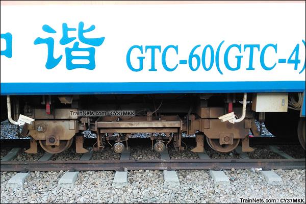 2015年8月。广州。GTC-60型钢轨探伤车。(图/CY37MKK)