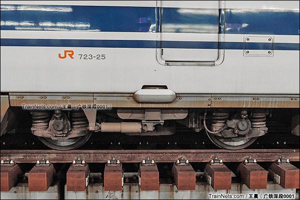 2014年8月。日本。JR东海道新干线,新大阪站。JR700系新干线列车,转向架。(图/王晨 @广铁深段0001)