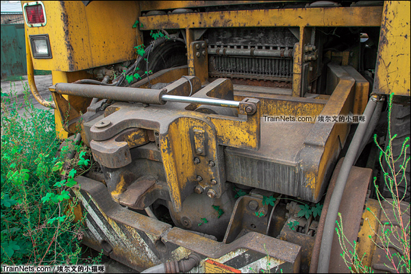 2015年9月。太原西站。TM公司生产的大力士型公铁两用车。(图/埃尔文的小猫咪)