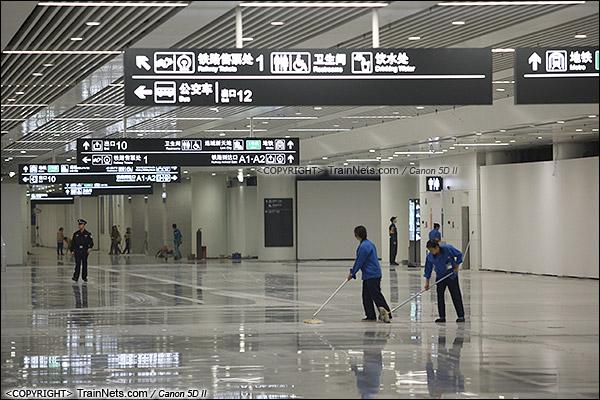 2015年12月30日。广深港高铁福田站。B1层换乘层。(IMG-3032-151230)