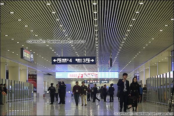2015年12月30日。广深港高铁福田站。B2层站厅层,候车室。(IMG-3281-151230)
