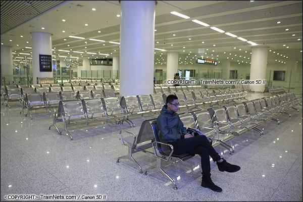 2015年12月30日。广深港高铁福田站。B2层站厅层,候车室。(IMG-3296-151230)