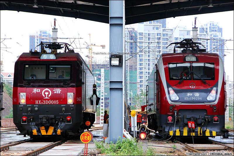 2015年12月6日。江西。赣州折返段,配属南局铁路局的HXD1D与HXD3D。(图/CRH380A-6062L)