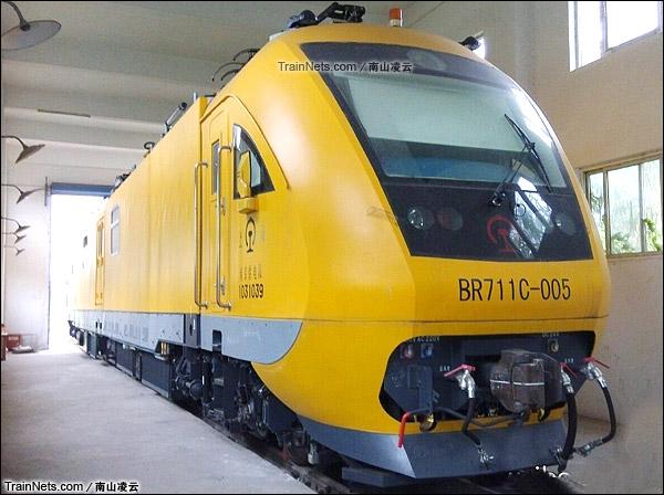 2015年。BR711C型铁路接触网多功能检修作业车。(图/南山凌云)