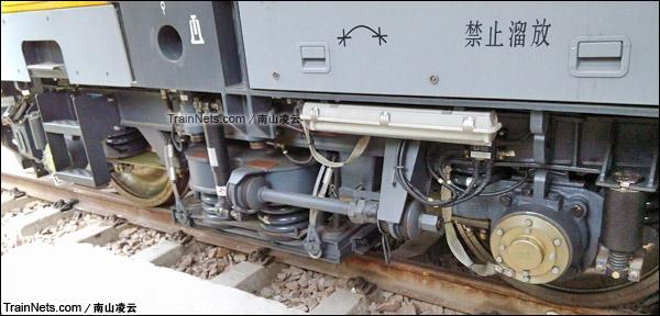 2015年。BR711C型铁路接触网多功能检修作业车。转向架。(图/南山凌云)