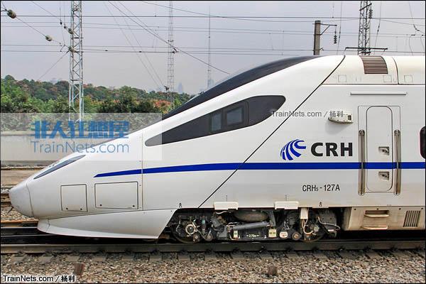 2014年5月。CRH5A型动车组。(图/杨利)