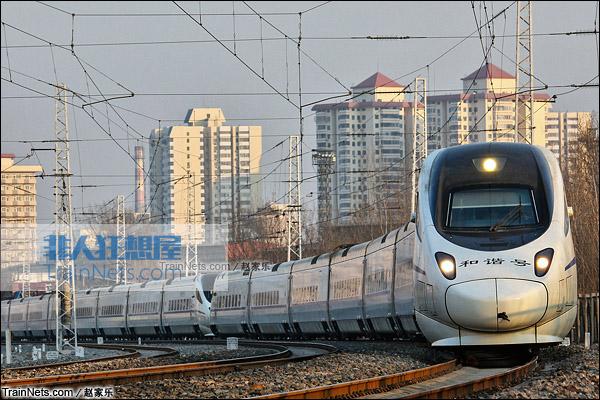 2015年1月。京广线。配属于北京铁路局的CRH5A型动车组。(图/赵家乐)