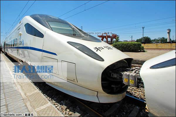 2015年7月。京广线。配属于北京铁路局的CRH5A型动车组。(图/赵家乐)