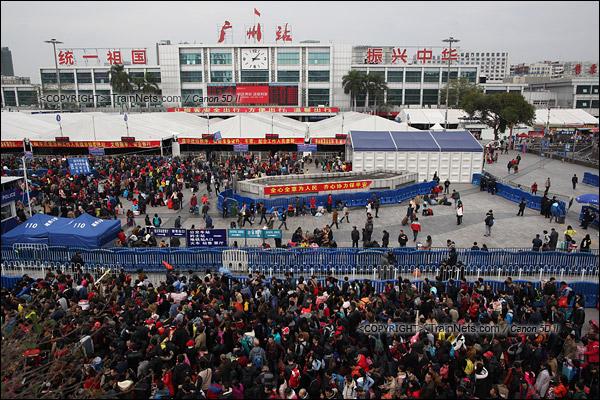 2016年2月2日。下午3点。广州火车站广场全景。(IMG-9548-160202)