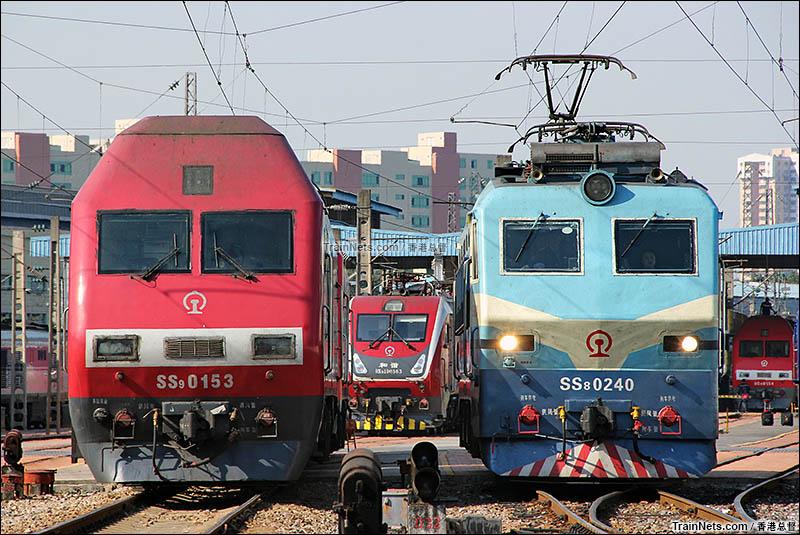 2015年11月。广州机务段。广铁集团三款主力准高速客运机车。(图/香港总督)
