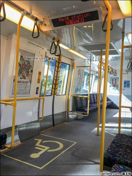 2016年3月。珀斯轨道交通A系电力动车组。轮椅区。(图/戴文炜)