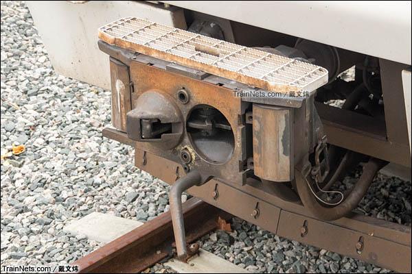 2016年3月。珀斯轨道交通A系电力动车组。车钩。(图/戴文炜)