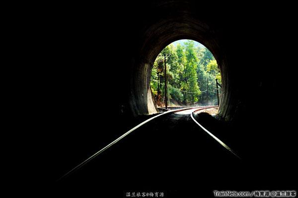 2014年10月26日。金千线。朱家埠-千岛湖区间。二号隧道。(图/温兰旅客)