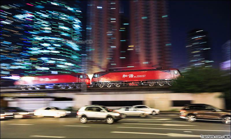 2015年12月18日。深圳罗湖。HXD3D双机开行50108次,机车前往笋岗。(图/杨利)