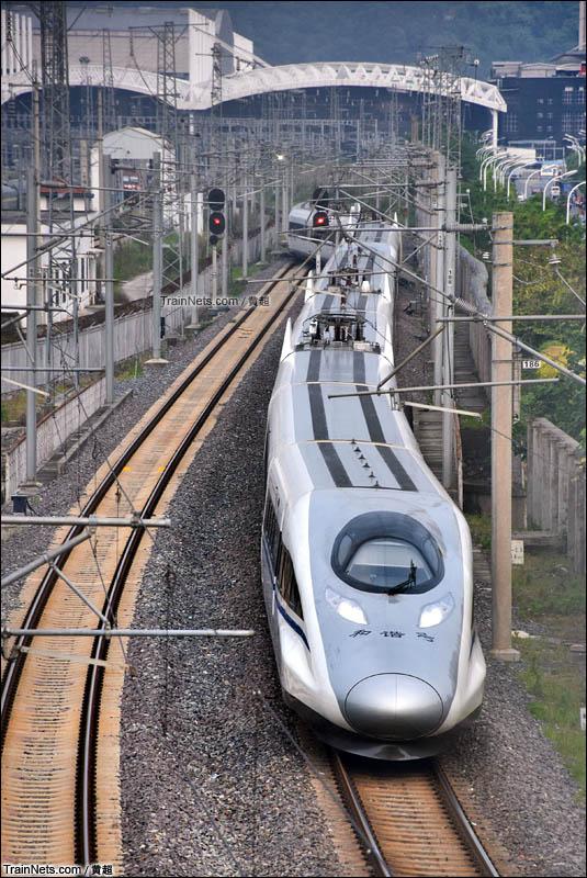 2016年4月29日。D6650次假日临客出福州站拐上昌福线。(图/黄超)