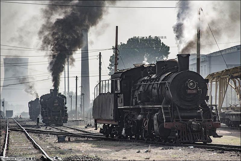 2016年5月21日。阜新矿务局运输部。上游蒸汽机车正在整备。(图/刘俊良)