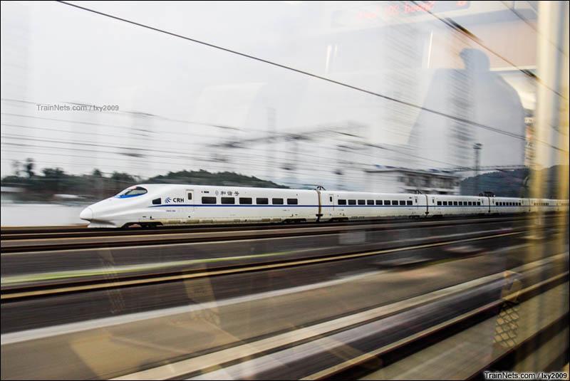 2016年2月2日。南广客专D3693和柳南客专D3522同时同向通过五塘站。(图/lxy2009)