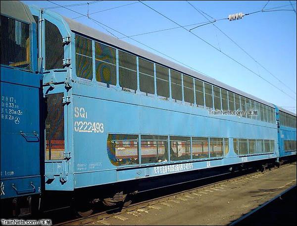 SQ1型双层汽车运输车。(图/王旭)