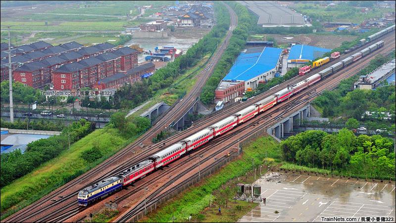 2016年5月2日。宣杭线。2593次(郑州-杭州)行宫塘通过。(图/我爱小香猪323)