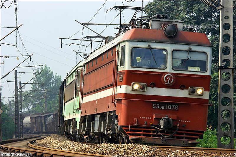 2010年8月9日。SS6B担当单操货车往安化方向。(图/阿准