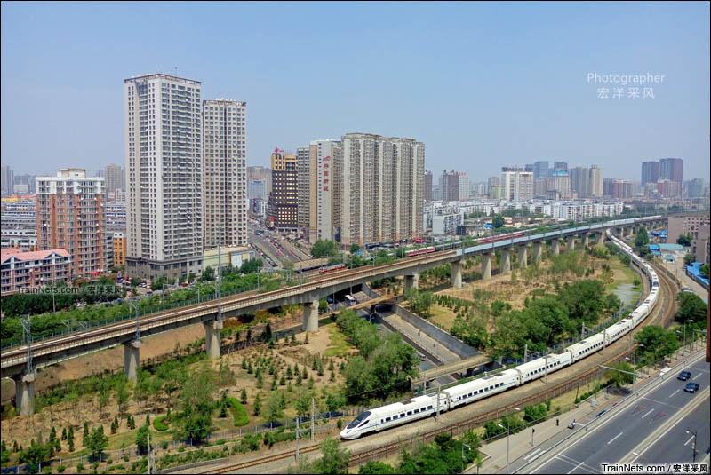 2016年6月。沈阳北站铁路枢纽区上演四车交会。(图/宏洋采风)