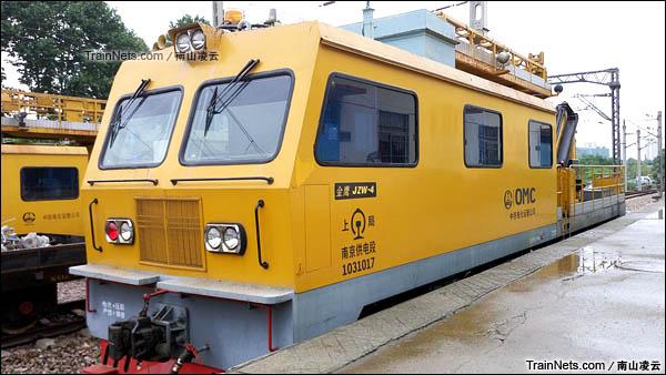 JZW-4型接触网高空作业车。(图/南山凌云)
