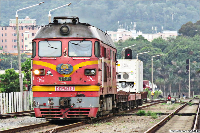 k21次列车_非人狂想屋 | 你的火车发源地 » 平盐铁路DF4B牵引小运转货车