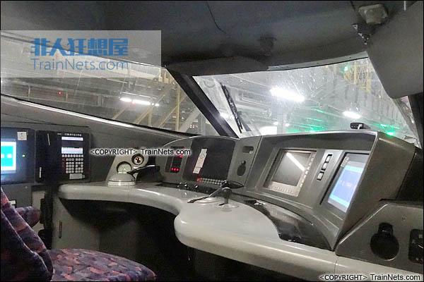 CRH2-010A综合检测车。ZE201001车(1号车)。驾驶室。(图/TrainNet)