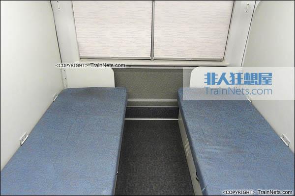 CRH2-010A综合检测车。ZE201003车(3号车)。休息卧铺。(图/TrainNet)