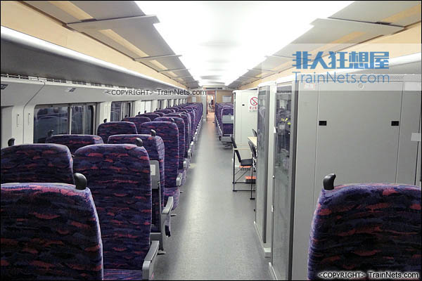 CRH2-010A综合检测车。ZE201006车(6号车)。(图/TrainNet)