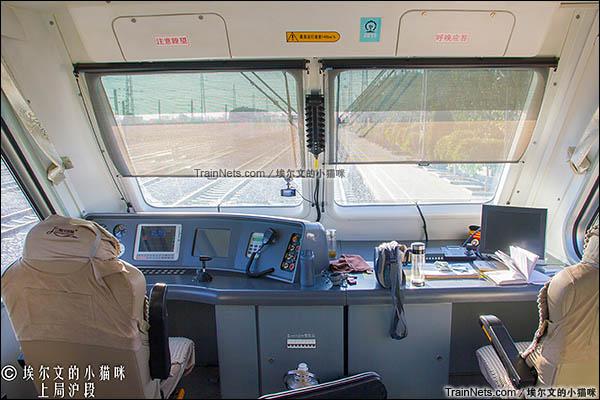 2016年6月。朔黄铁路GCY720型公务监察车。驾驶室。(图/埃尔文的小猫咪)