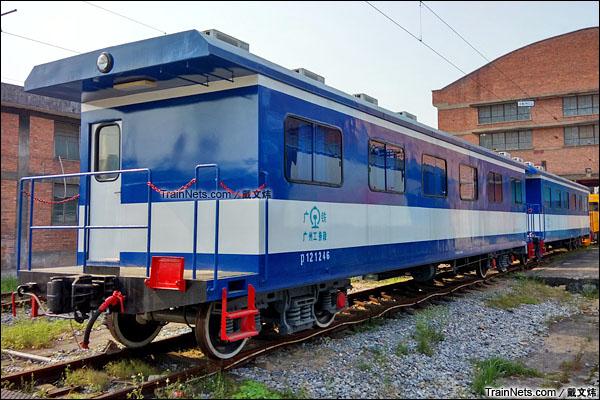 2015年4月。广东韶关机务段。JK08型轨道宿营车。(图/戴文炜)