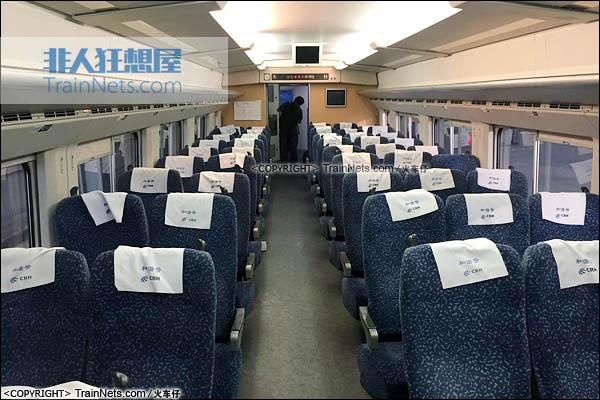 2016年9月。深圳北站。CRH2E型卧铺动车组。硬座车。(图/火车仔)