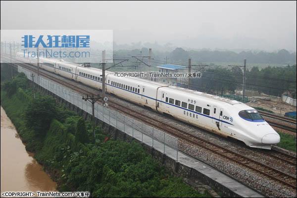 2007年6月18日。广深线。广州下元。CRH2-010A综合检测车。(图/火车仔)