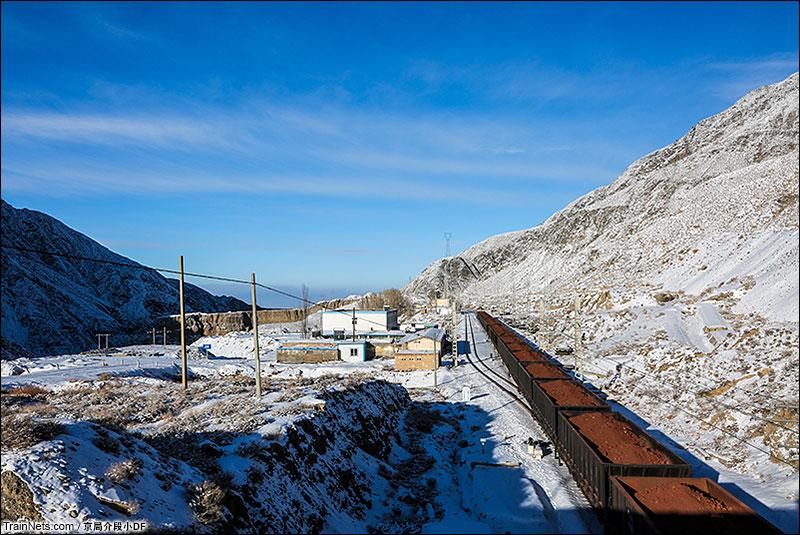 2016年1月。坐落在北大河峡谷沟口的冰沟站。(图/京局介段小DF)