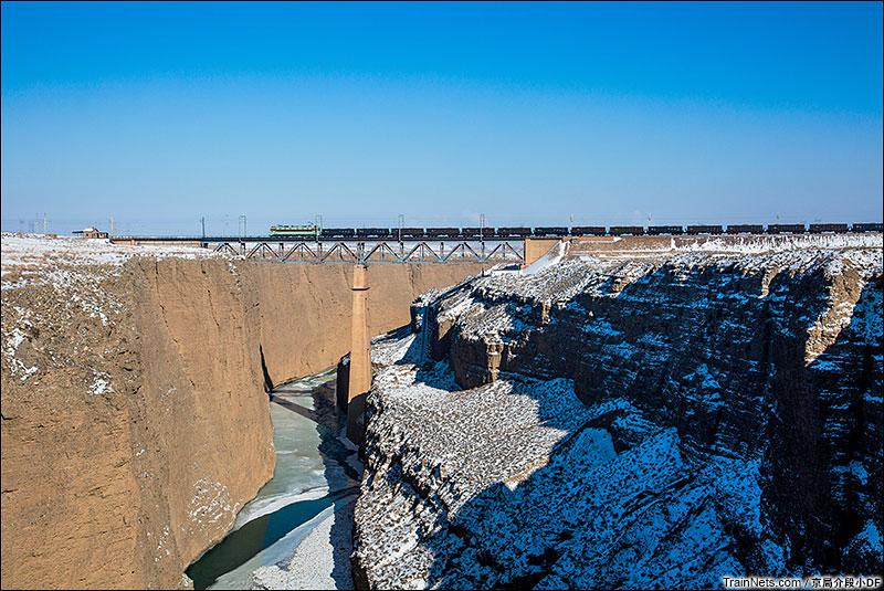 2016年1月。跨越北大河峡谷天险的一号桥。(图/京局介段小DF)