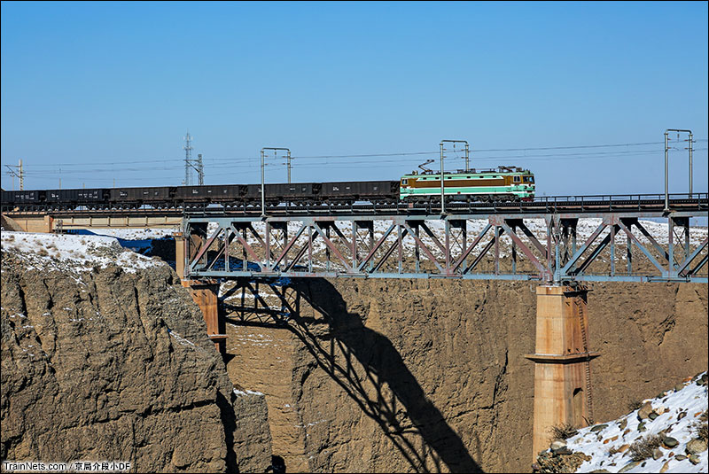 2016年1月。SS3货车驶过北大河一号桥。(图/京局介段小DF)