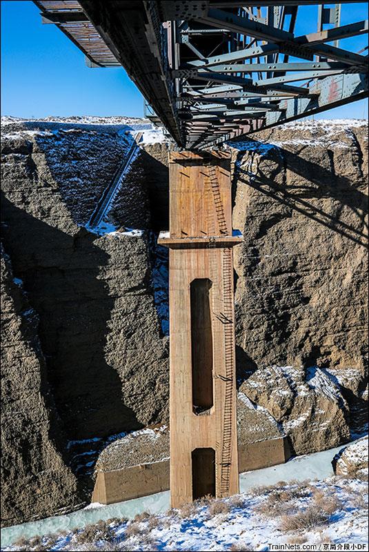 2016年1月。站在一号桥的二号桥梁下。(图/京局介段小DF)