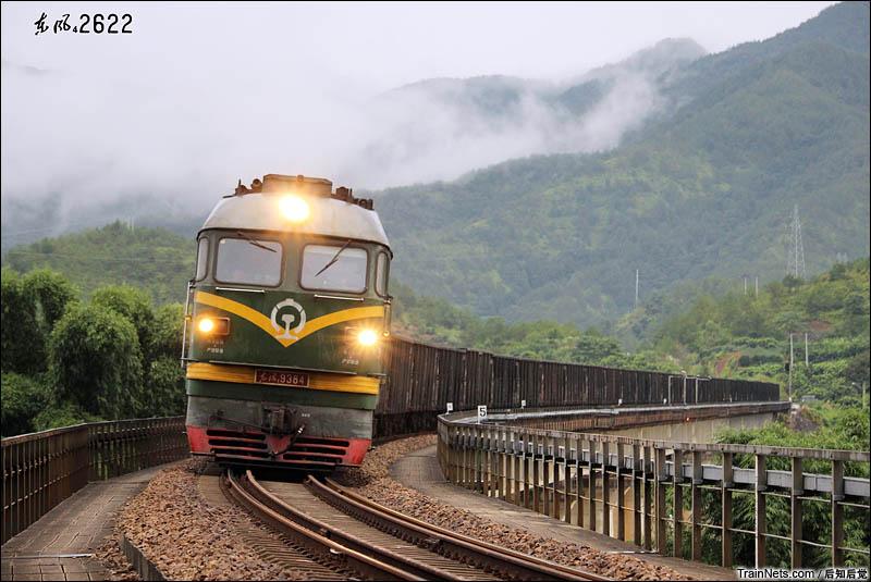 2016年8月9日下午。雨后的漳龙线。DF4B9384牵引44505次松口站接近。(图/后知后觉)