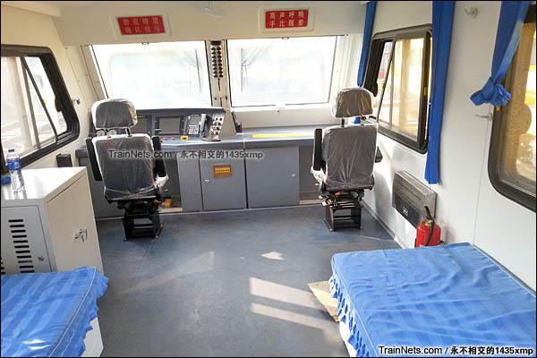 DPT型接触网检修作业车。驾驶室。(图/永不相交的1435xmp)
