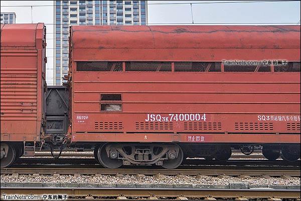 2016年11月。南京。JSQ3K型双层汽车运输车。转向架。(图/宁东的狮子)