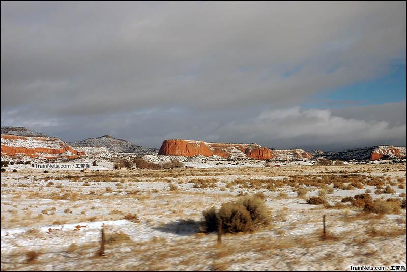新墨西哥州的地形是典型的美国西部风貌