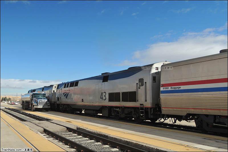 列车在阿尔伯克基休整并加油