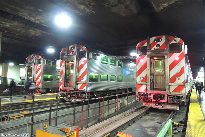 芝加哥联合车站的通勤列车