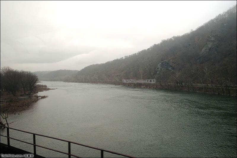 波多马克河