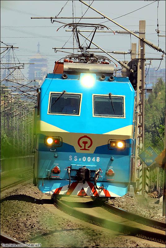2016年5月28日。邯郸韶8单机通过后吕村站,去往长阳线路所。(图/DF4B1637)