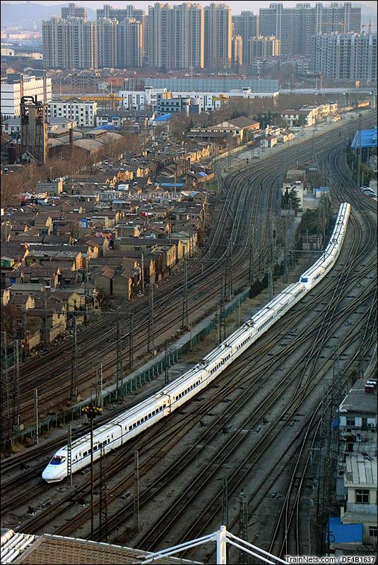 2015年2月8日。D274次(郑州-杭州东)徐州站拐到出站,徐州南站六道通过、窑厂方向。(图/DF4B1637)